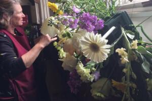 Easter flower prep 2017 CML (2)
