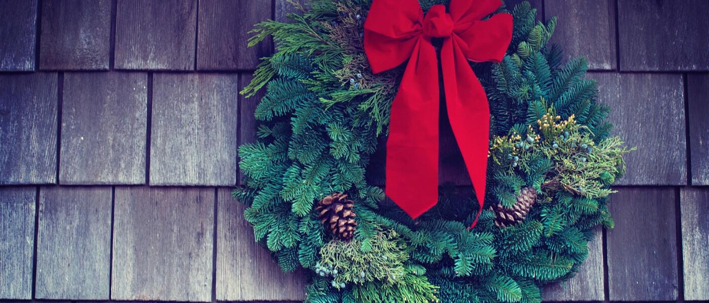 J2A Wreath & Poinsettia Sale