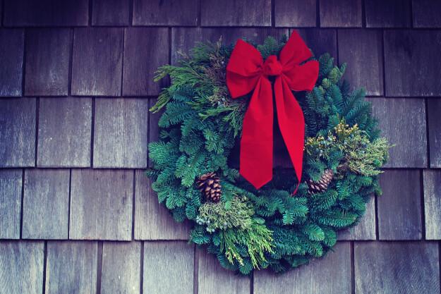 J2A Wreath & Poinsettia Sale Starts