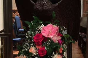 Christmas 2018 flowers lectern